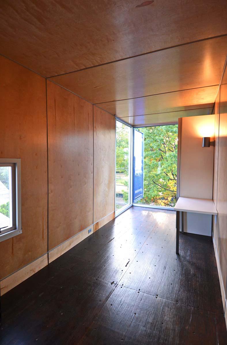 SeaUA Bedroom FrontTravis Price Arch01
