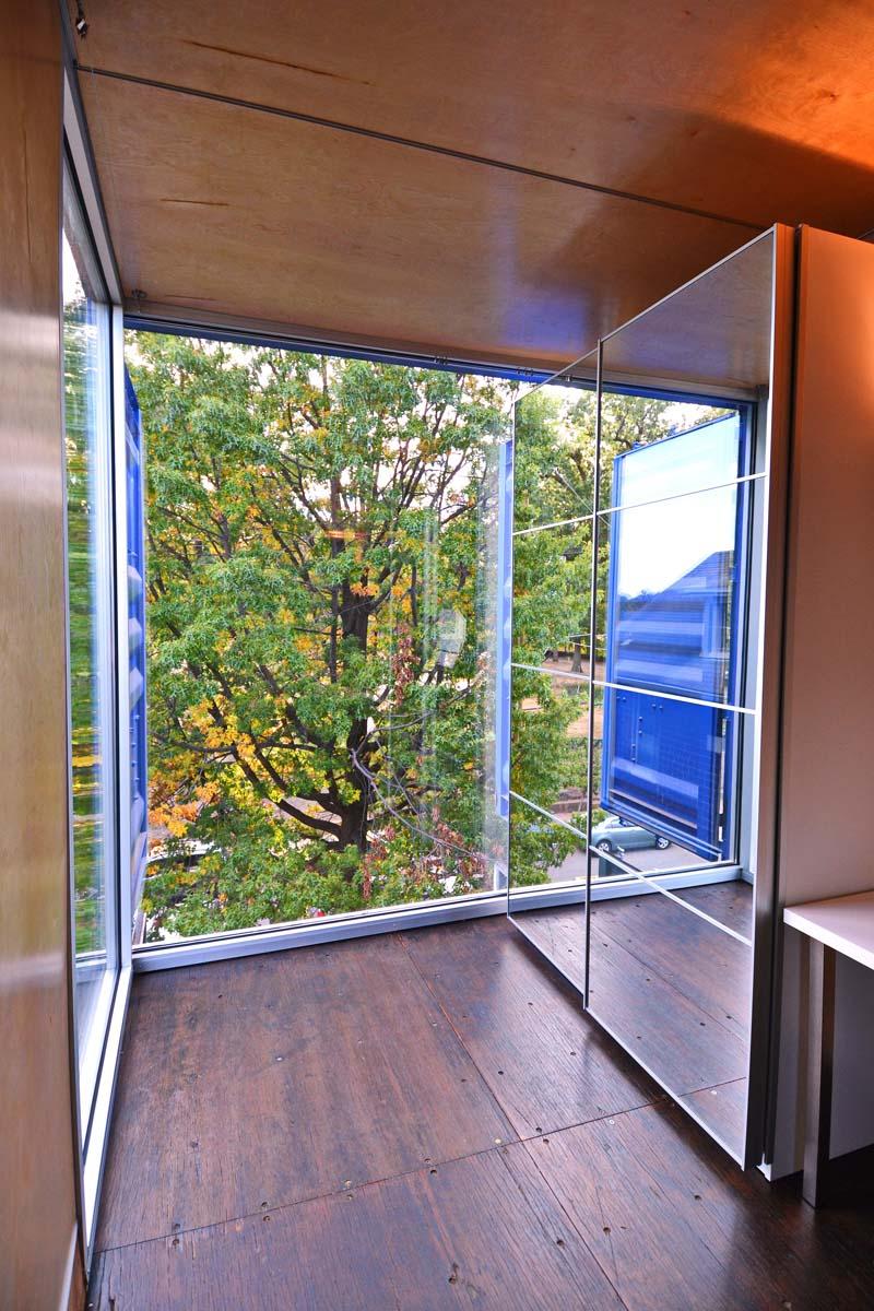 SeaUA Bedroom FrontTravis Price Arch02